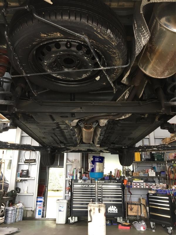 エンジンオイルとエレメントを交換してもらう