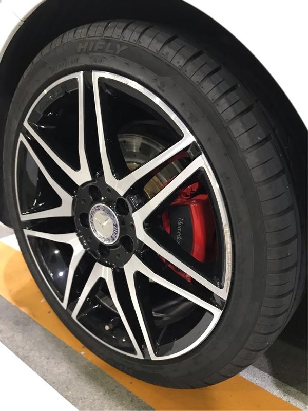 w204 ブレーキキャリパー塗装