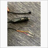 ドラレコの電源用配線は付属のシガーソケットの配線を切ると常時電源、アクセサリー電源、アースと3本あるので、これにギボシ端子付けて電源を取りました。<br /> <br /> 駐車中の撮影が出来るオプションのHDROP-14を買わなくても、これでいけます!<br /> 某掲示板で見て知りました。<br /> <br /> オプションの配線にはヒューズが入っているのでそちらの方が安心ですが…<br />