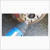 ④ ワイトレ撤去~タイヤホイール交換<br /> KICSの昔の15mmは特殊ネジ。相当温めないと外れない(;´Д`)<br /> <br /> ⑤ 車高10~15mmアゲ