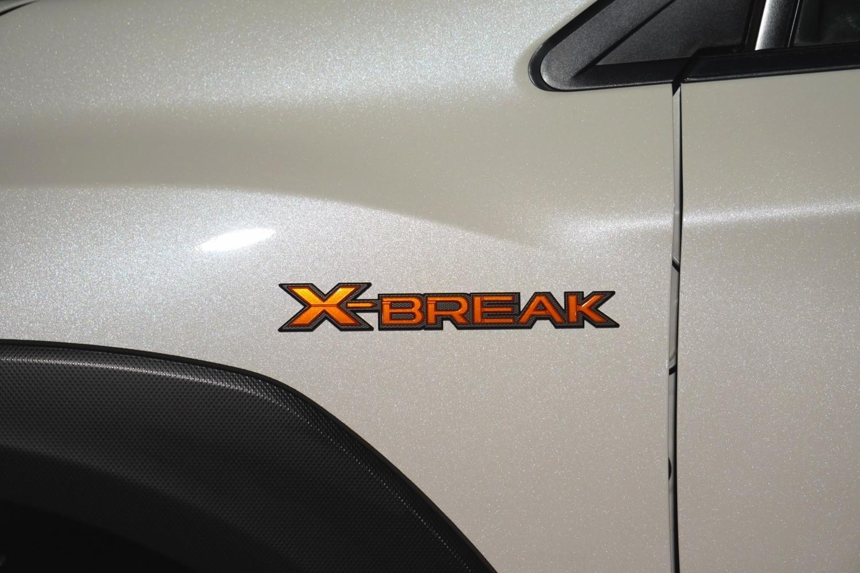 X-BREAK エンブレム側面にも追加
