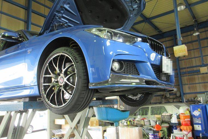 メンテナンスは大事..BMW F30 320 エンジンオイル+エレメント交換 4CT-S