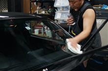 ガラス面の作業を終え 水溶性コンパウンドにて磨き切っていきます^^