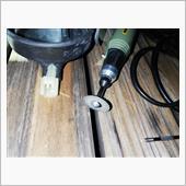 防水キャップ切り込みいれて、配線出します。