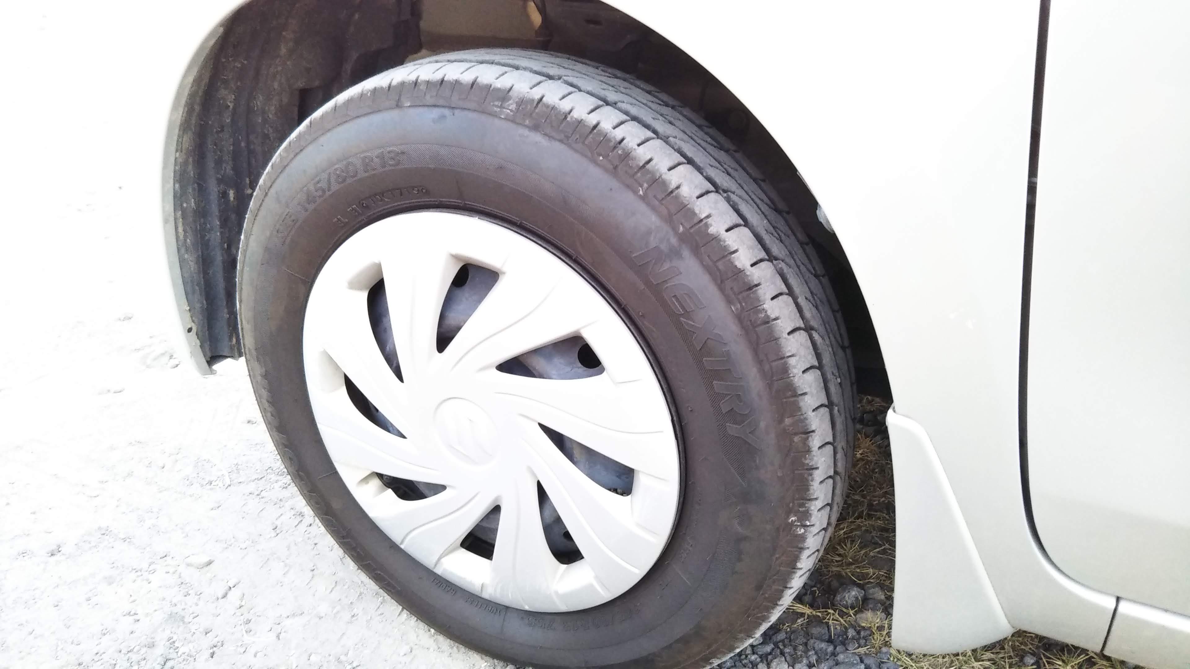 第一次タイヤ交換。