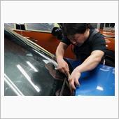 1年物のダメダメ強力ガラス撥水剤を<br /> 微塵も残さずに磨き落として行きます^^<br />