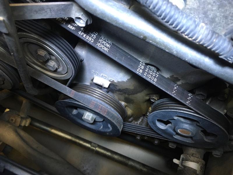 フロントカバーオイル漏れ修理1