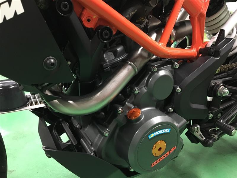 KTM 390DUKEエキパイ交換 3