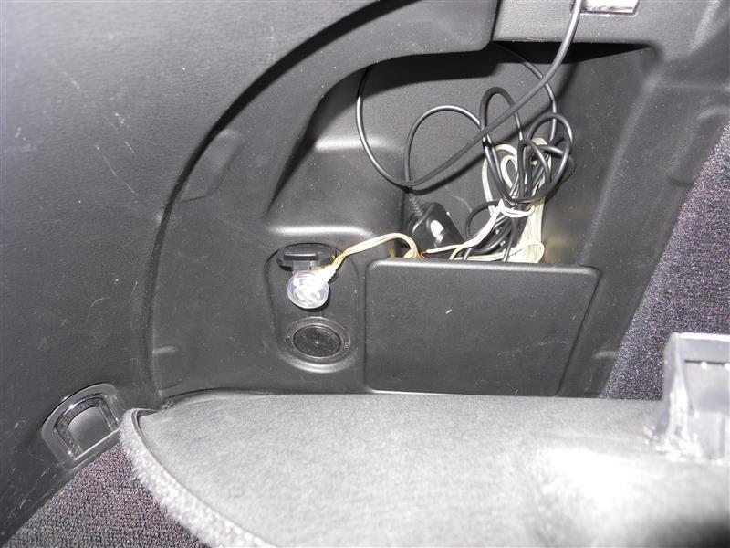 ドライブレコーダー付け替え(後方に)
