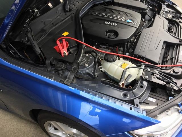 BMW F30 バッテリ 24Vシステム の下段