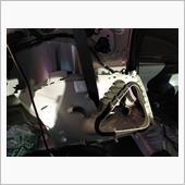 内張には気休め程度(シートベルト付近)の吸音シートが貼ってありました。