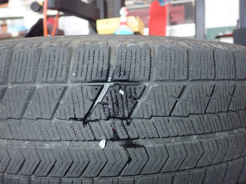 タイヤに釘が