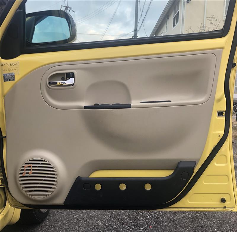 ドアポケットとサイドブレーキのスイッチ交換