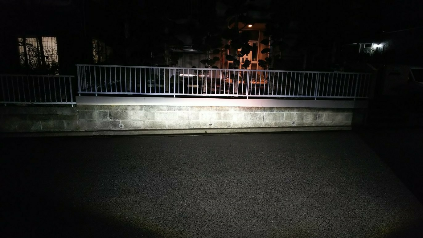ヘッドライトバルブ交換(ハイビーム側)