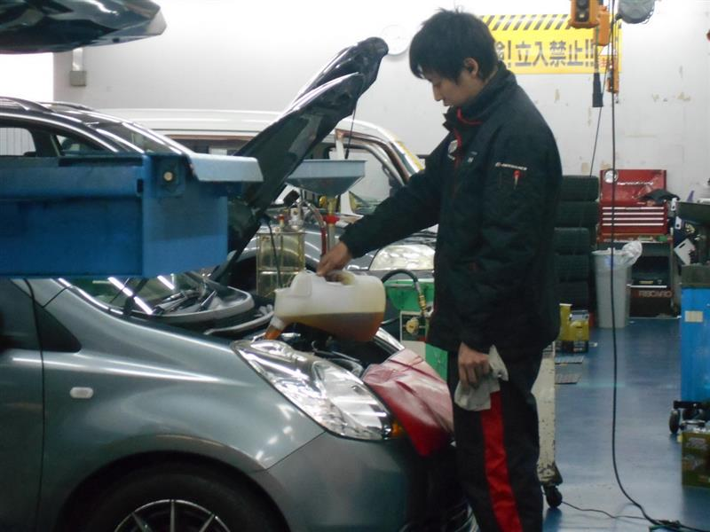 エンジンオイル交換添加剤SINNを使用