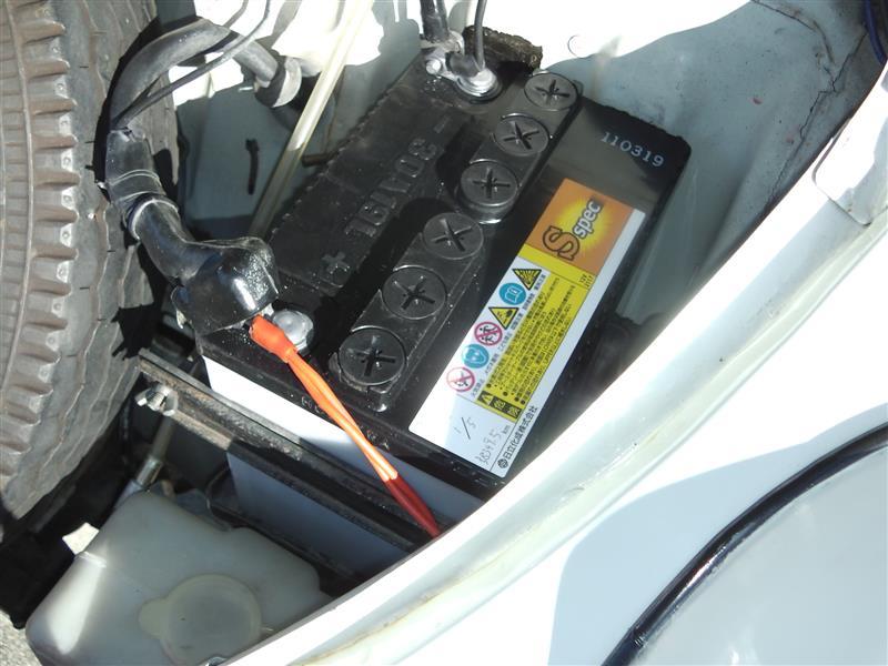 スバル360のバッテリー交換とプラグ交換と点火時期調整。