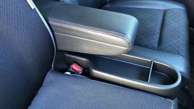 シートコンソール取付、スマートキー用シリコンカバー取付、バッテリー健全度測定