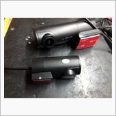 AKEEYO  AKY-D-8です。<br /> リアカメラつきでモニターなし^_^<br /> 以前のフロントドラレコは直ぐに振動を拾いピーピーうるさいし、別にモニターなくても👍<br /> <br />