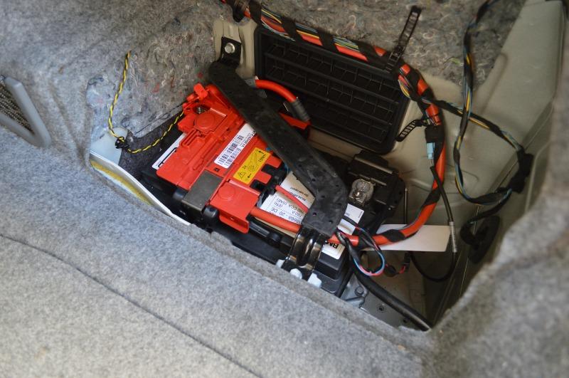 AGMバッテリー交換