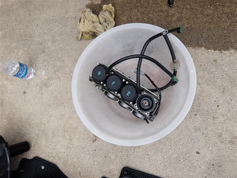 バリオス2(ZR250B)のキャブレターのジェットニードルを交換
