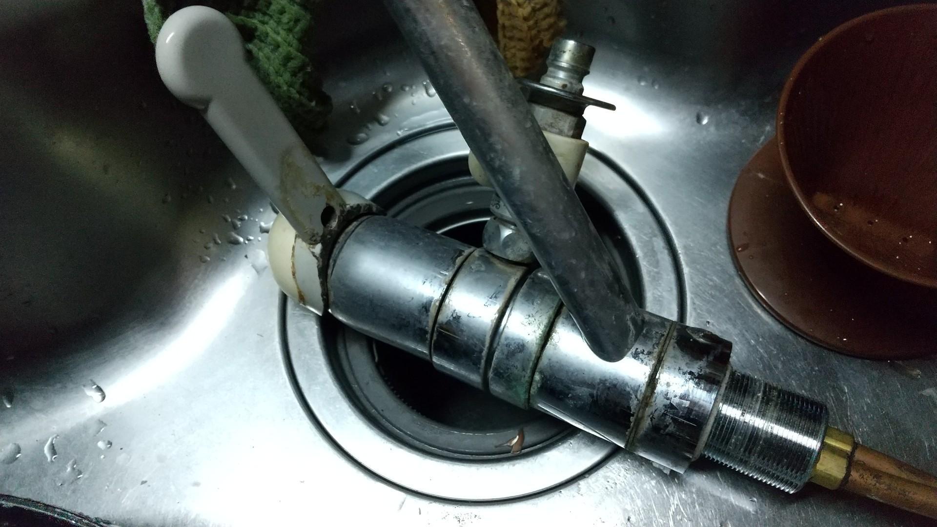 流し台の水栓金具交換KVK KM5011T