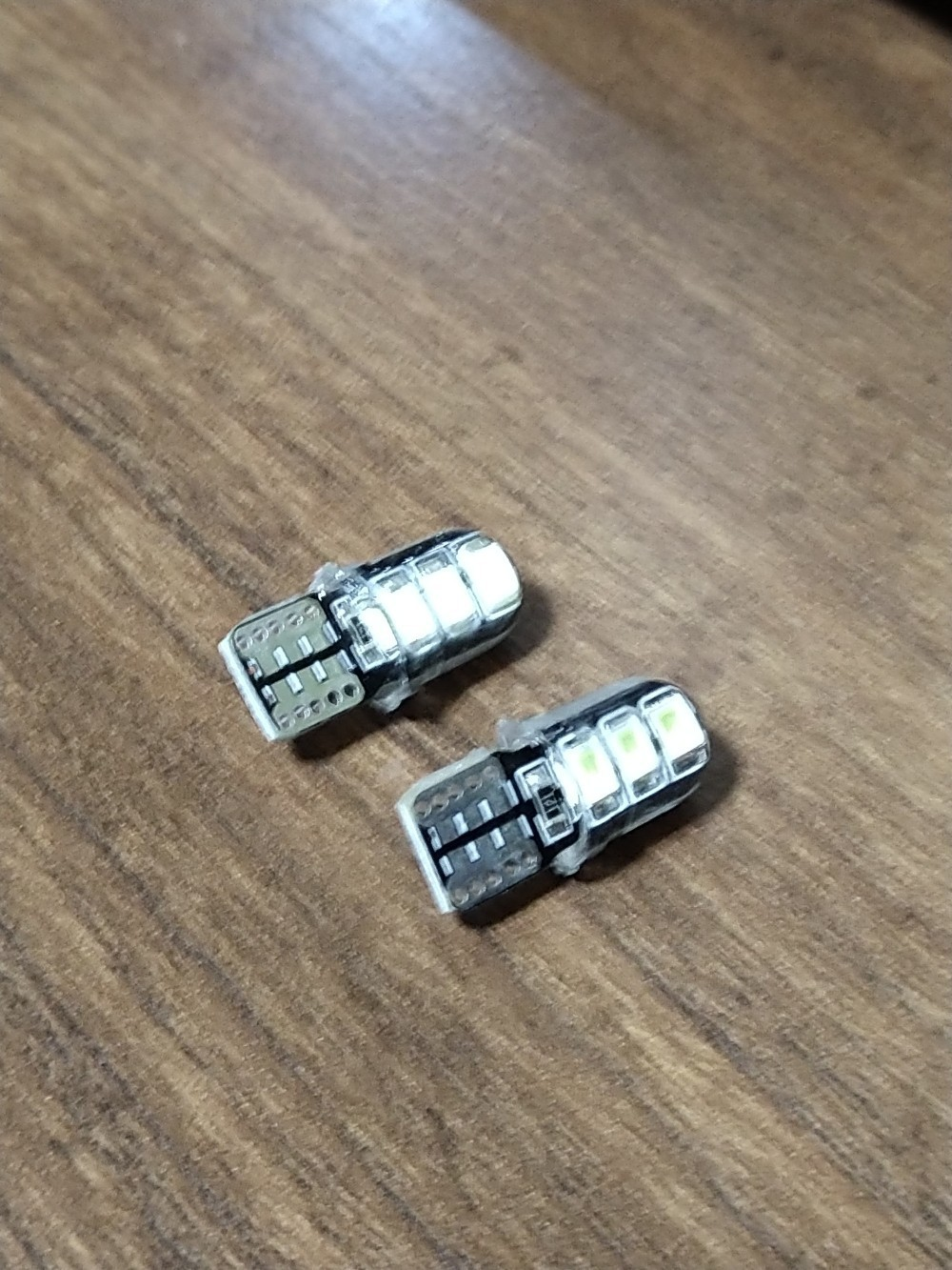 ナンバー灯LEDバルブ交換
