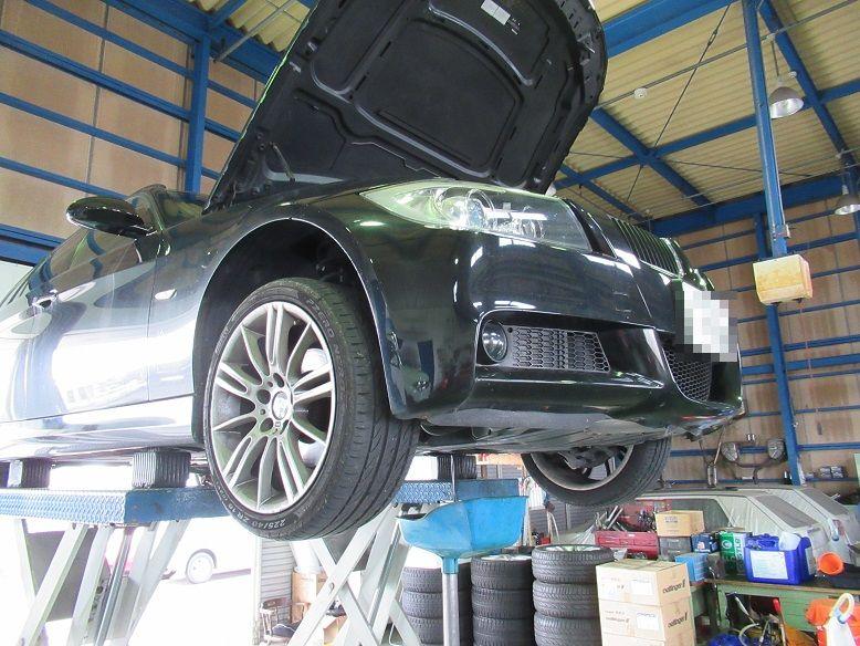 メンテナンスは大事..BMW E91 エンジンオイル交換 FUCHS