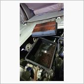 オイルキャッチタンクが満タンだったせいか、エアクリーナーBOXも大変な事に、なっていました。<br /> <br /> 見事です<br />