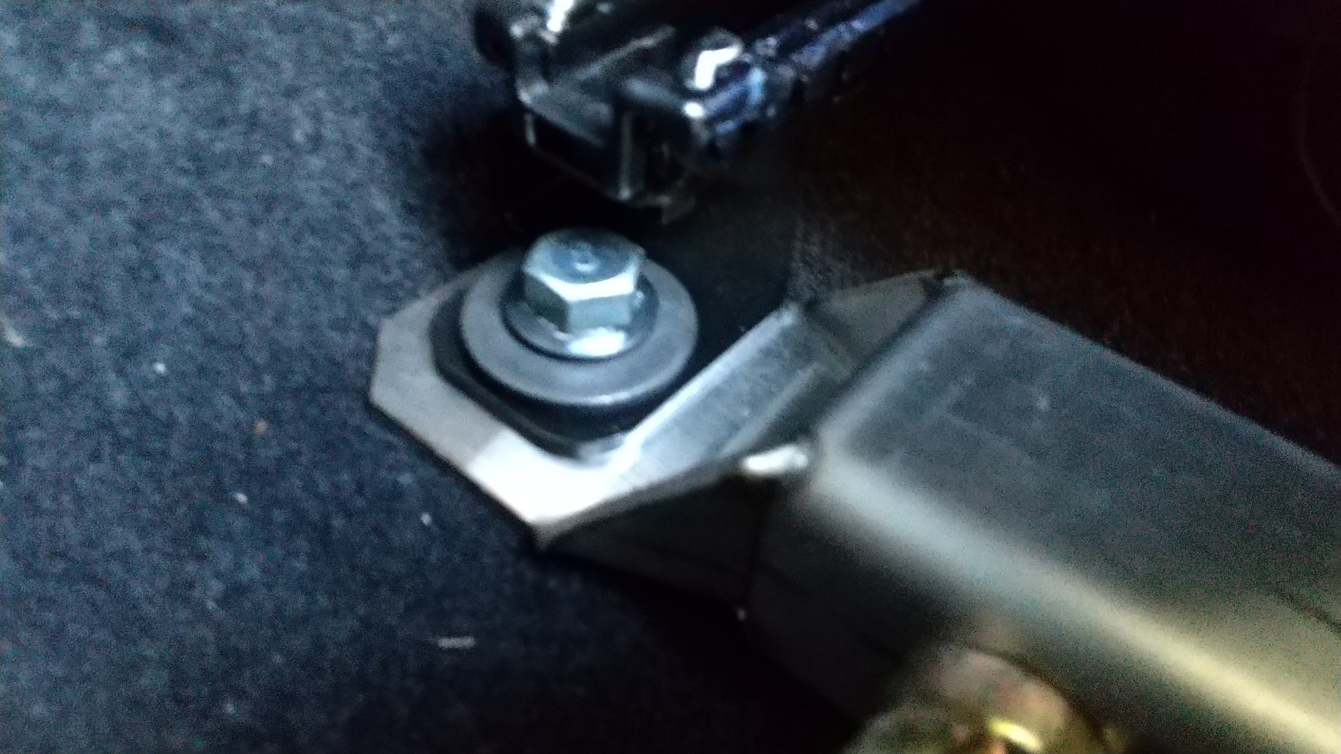 HPIコンペティションギアフロアーバー取り付け