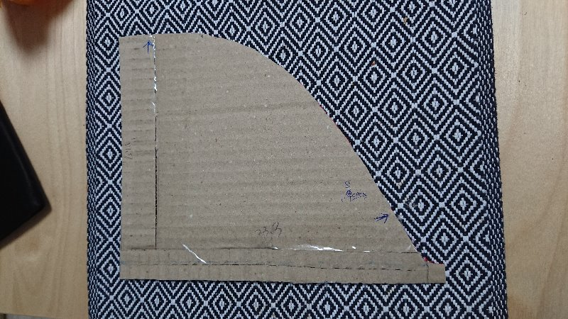 天井角に収納作製①