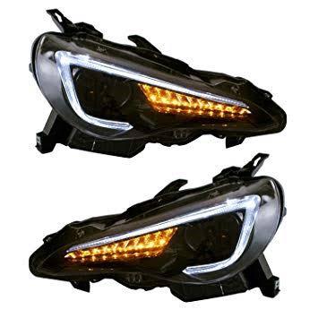 五万円ほどで買えるVLANDのヘッドライトにしました!前期HID車には加工無しで取り付けできました。
