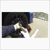 7.空気を充填した夏タイヤを装着してホイールナットで固定し