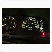 一応、記録のためメーターを。<br /> 現在、11万3千キロ。<br /> 納車時(約16ヶ月前)から2万6千キロ走りました。<br /> 最近、乗れば乗るほどエンジンが調子良くなってる気がします。