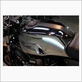 カッコイイ!モト・グッツイ V7Ⅲカーボンシャインのバイクコーティング【リボルト沖縄】