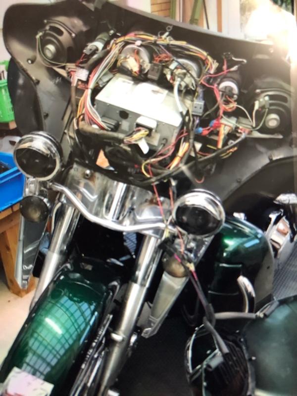 フェアリングのガタ付き修繕