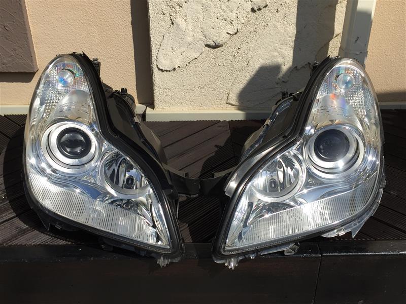 CLS55 ヘッドライト修理(光軸調整モーター)