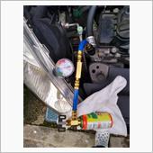 エアコンオイル添加剤投入の画像