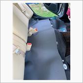 後部座席の下の画像