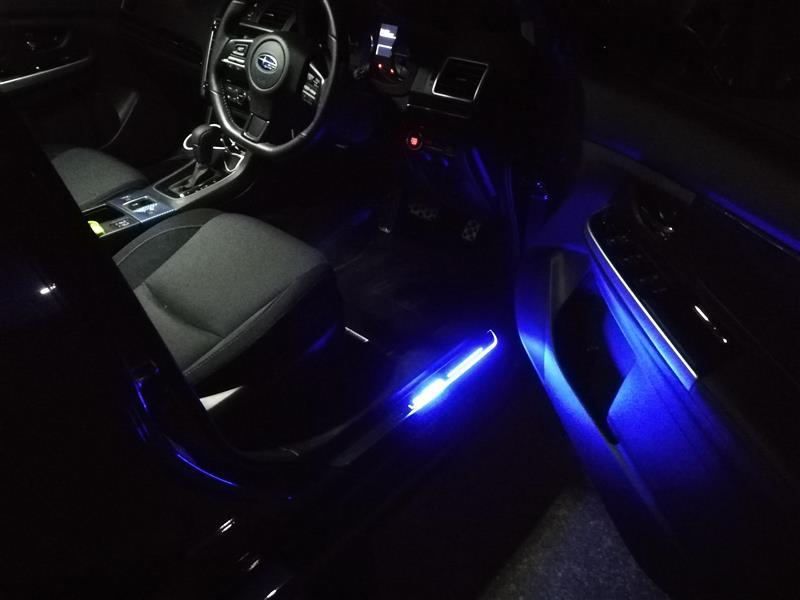 LED流れるスカッフプレート