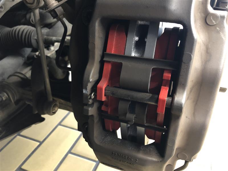 ブレーキパッド交換 アクレ フォーミュラ800C