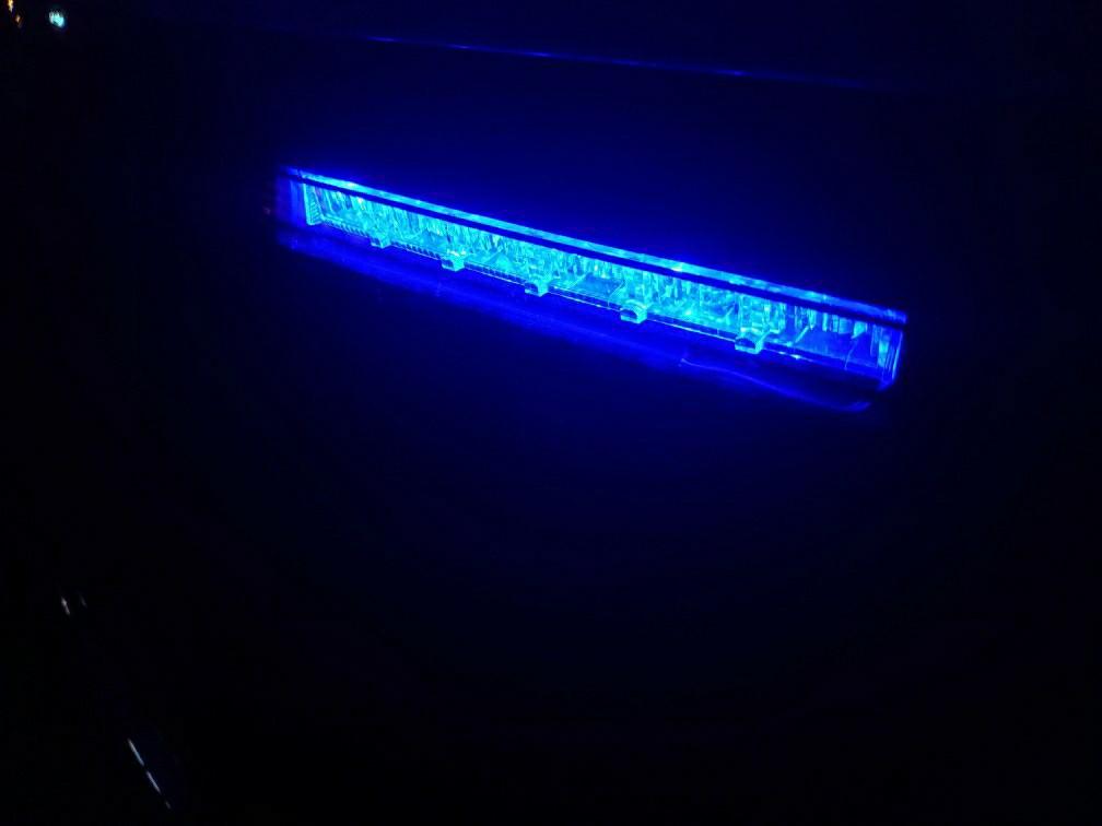 ハイマウントに青LEDを仕込んでみた