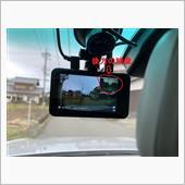 前後2カメラのドライブレコーダー取り付けの画像