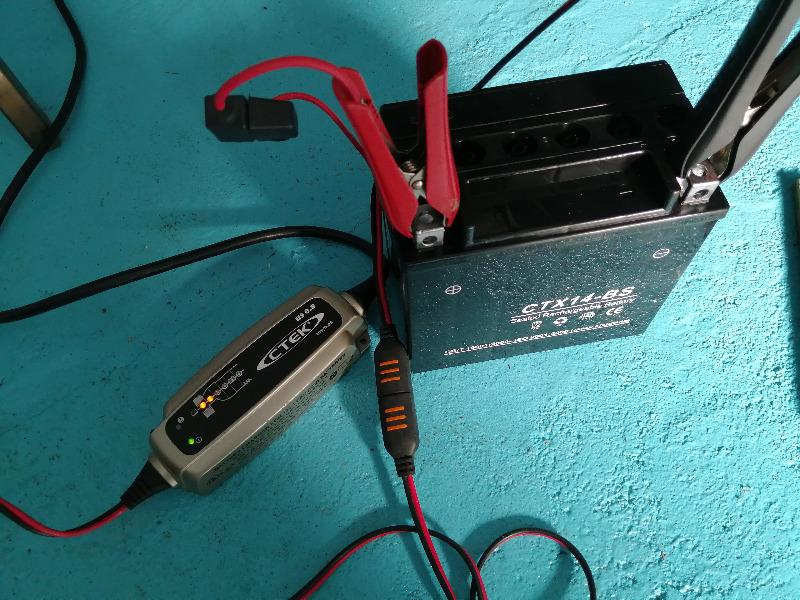 中華バッテリー交換