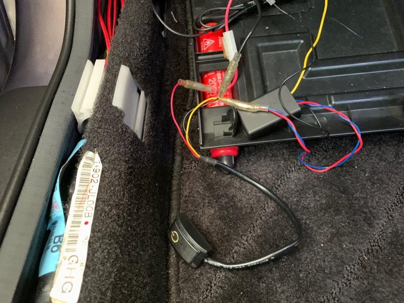 フットランプスイッチ取付、出力変換ユニット→ユニット用リレー戻し