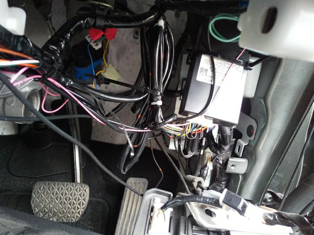リモコンエンジンスターター取付け