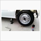 ずっと上げっぱなしのアルトに<br /> 純正装着タイヤで残り溝もほぼぴったりで装着。<br /> <br /> SP10は現状新品が出ないらしい。<br /> て事は、今の新車何が付いてんでしょうね。<br /> <br /> 裏表にノータッチして