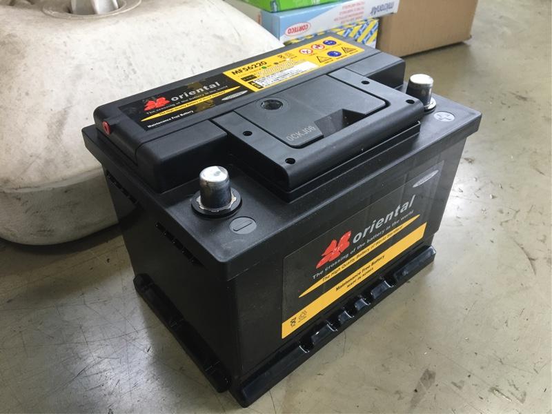 電圧チェックして韓国製バッテリーに交換する