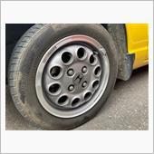 フロントタイヤ『購入時』<br /> <br /> 新車時からのタイヤが装着されていました(笑)<br /> 平成3年 1991年製<br /> 当時のタイヤ<br /> ポテンザRE-87<br /> 保管状態が良かったようで<br /> タイヤの角もヒビ割れがなかった<br /> <br /> トレッド面はさすがに多少のヒビ割れが