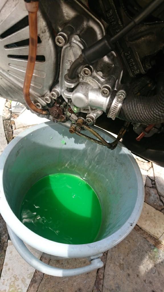 よく冷える冷却水に交換してみる🎵
