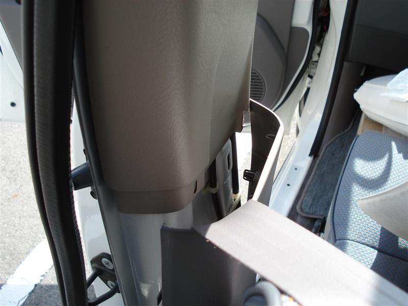 131_100321車体左内張り取り外し(分解) [9/9]